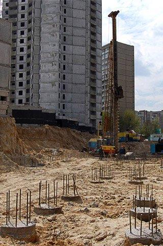 строительство, фундамент, сваи